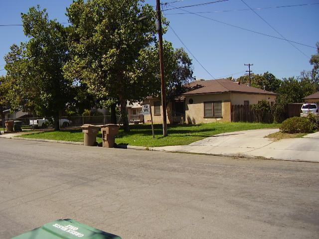 10000 Greenacres Drive, Bakersfield, CA 93312 (MLS #21709721) :: MM and Associates