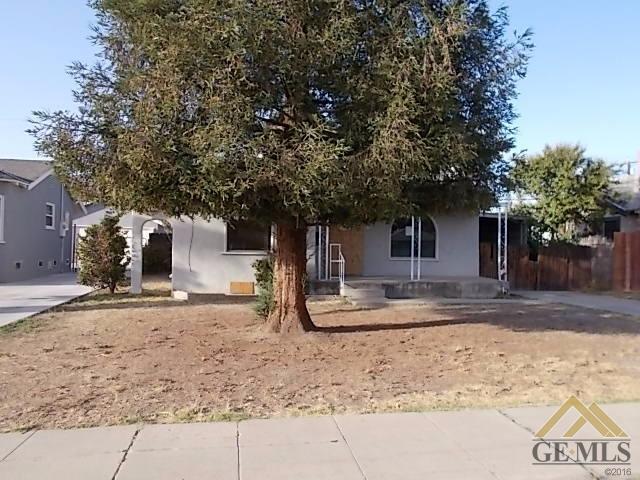 334 Highland Drive, Bakersfield, CA 93308 (MLS #21712009) :: MM and Associates