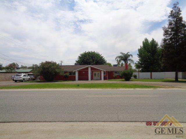 13951 Meacham Rd Road, Bakersfield, CA 93314 (MLS #21712167) :: MM and Associates