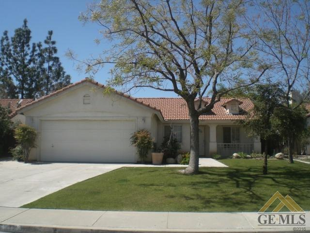 5815 Canoe Court, Bakersfield, CA 93312 (MLS #21713699) :: MM and Associates