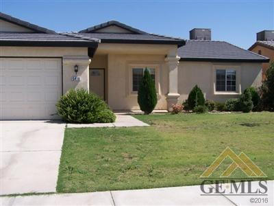 5417 Trabuco Canyon Drive, Bakersfield, CA 93307 (MLS #21713933) :: MM and Associates