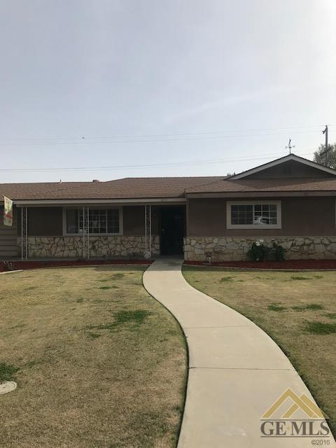 1019 Elizabeth Court, Bakersfield, CA 93308 (MLS #21802965) :: MM and Associates