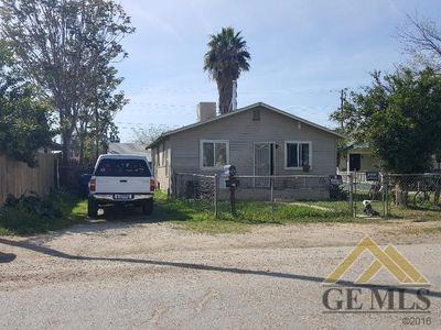 513 Date Street, Bakersfield, CA 93308 (MLS #21803271) :: MM and Associates