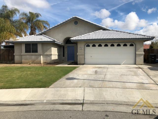 302 Lopez Court, Shafter, CA 93263 (MLS #21803407) :: MM and Associates