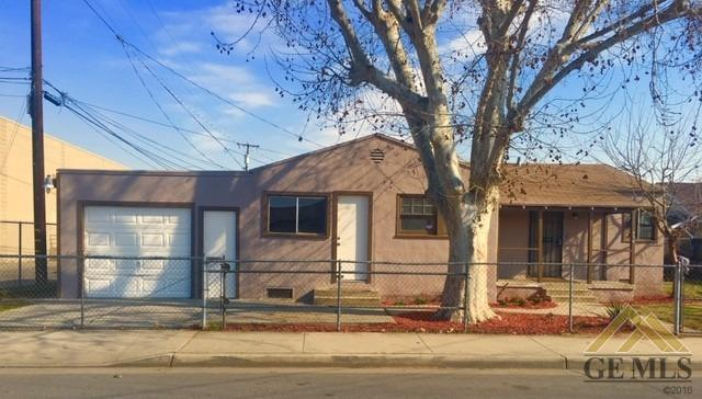 456 N Wall Street, Shafter, CA 93263 (#21900946) :: Infinity Real Estate Services