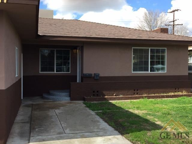 1317 Quincy Street, Delano, CA 93215 (#21901542) :: Infinity Real Estate Services