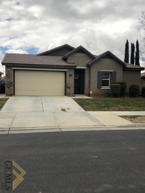 5400 Segovia Way, Bakersfield, CA 93306 (#21901955) :: Infinity Real Estate Services