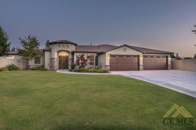 10311 Patterson Street, Bakersfield, CA 93311 (#21906626) :: Infinity Real Estate Services