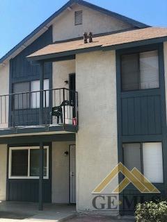 2712 Villalovos Court, Bakersfield, CA 93304 (#21907232) :: Infinity Real Estate Services