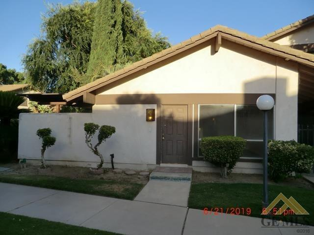 3333 El Encanto Court #53, Bakersfield, CA 93301 (#21907481) :: Infinity Real Estate Services