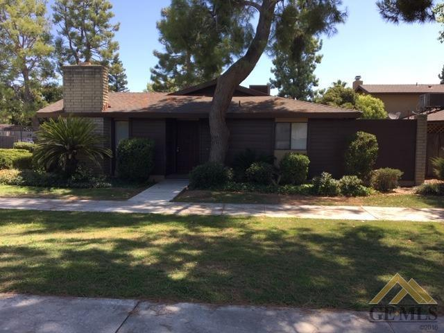 4800 Treanna Avenue 7A, Bakersfield, CA 93309 (#21909638) :: Infinity Real Estate Services
