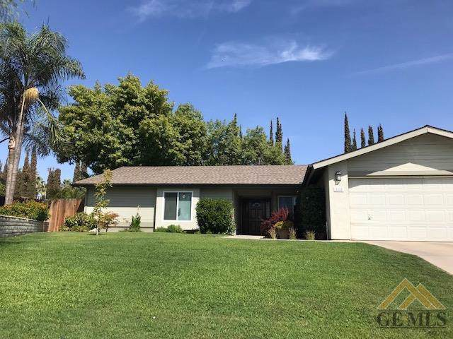 2228 Chris Court, Bakersfield, CA 93306 (#21910970) :: Infinity Real Estate Services