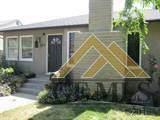 2612 Pine Street, Bakersfield, CA 93301 (#21912164) :: HomeStead Real Estate