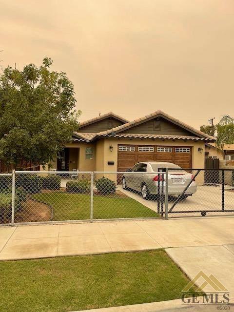 303 E Street, Bakersfield, CA 93304 (#202110476) :: MV & Associates Real Estate