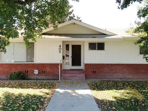 405 Maple Street, Shafter, CA 93263 (#21904479) :: Infinity Real Estate Services