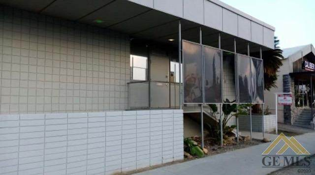 2520 L Street, Bakersfield, CA 93301 (#202012072) :: HomeStead Real Estate