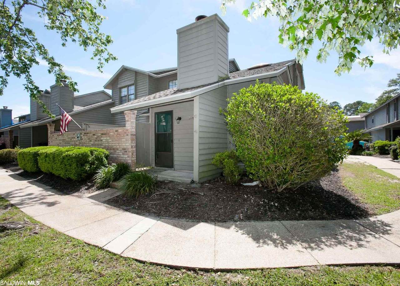 389 Clubhouse Drive - Photo 1