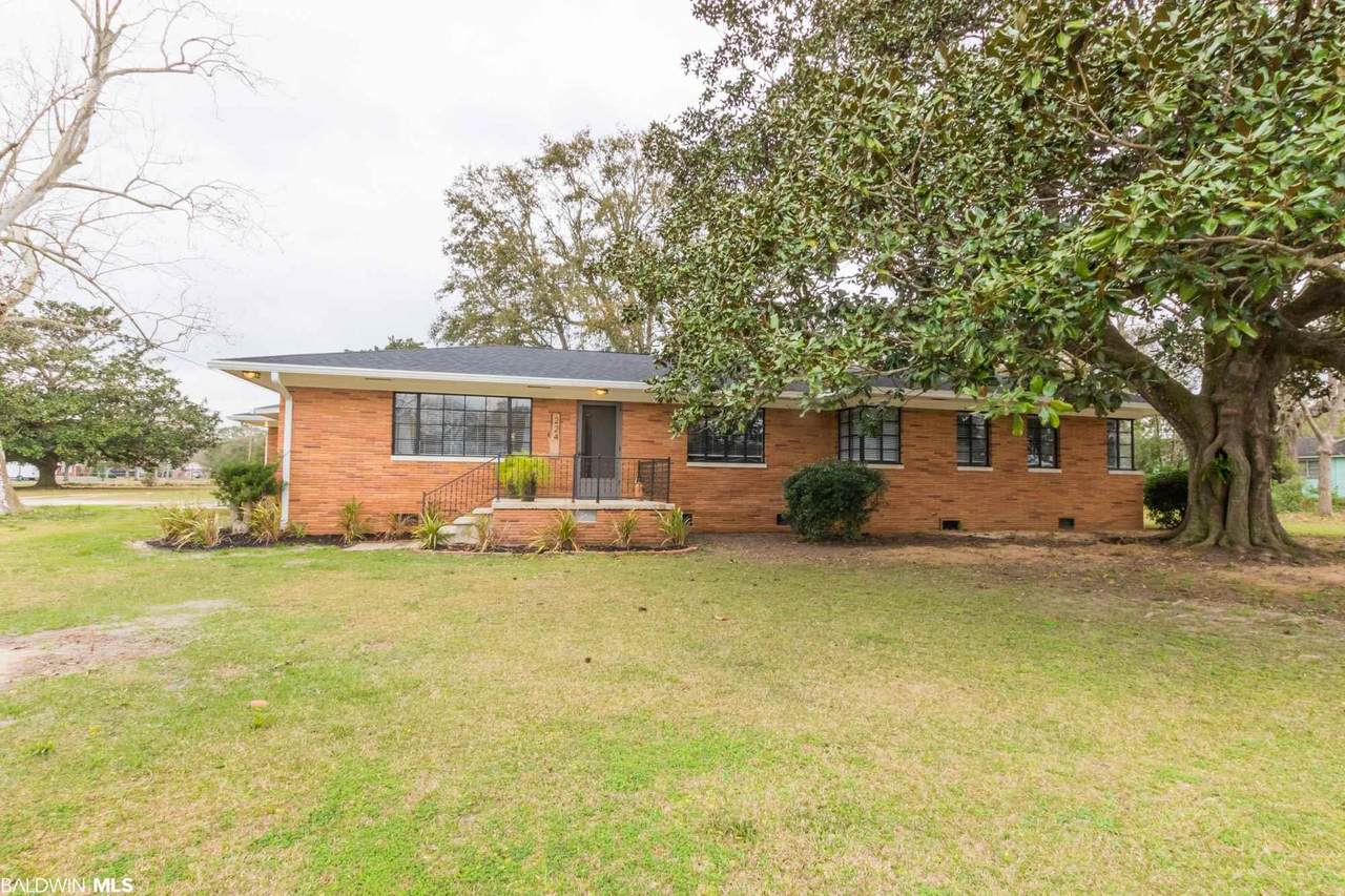 224 Camphor Avenue - Photo 1