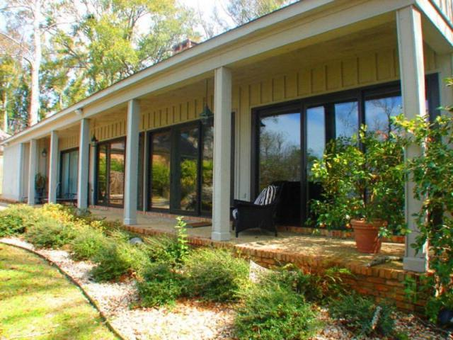 423 Village Drive, Daphne, AL 36526 (MLS #260799) :: Jason Will Real Estate