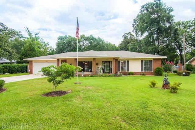 418 W Berry Avenue, Foley, AL 36535 (MLS #273979) :: The Kim and Brian Team at RE/MAX Paradise