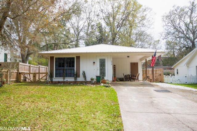 558 Bellangee Avenue, Fairhope, AL 36532 (MLS #311068) :: Bellator Real Estate and Development