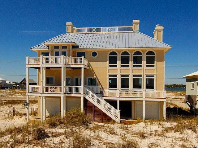 2295 West Beach Boulevard, Gulf Shores, AL 36542 (MLS #252110) :: The Kim and Brian Team at RE/MAX Paradise