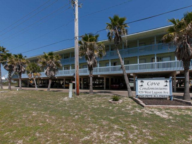 920 W Lagoon Avenue 213A, Gulf Shores, AL 36542 (MLS #253821) :: The Kim and Brian Team at RE/MAX Paradise