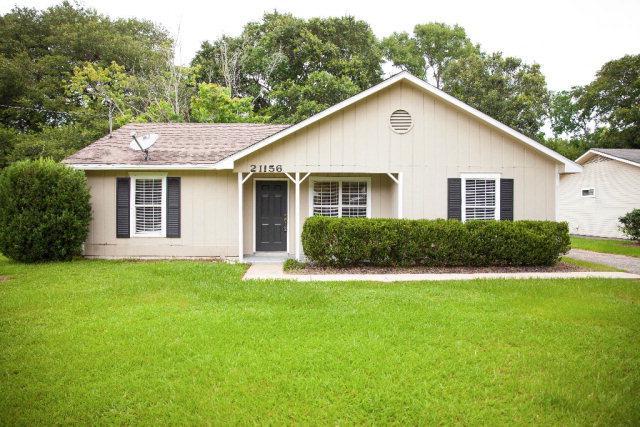 21156 Meadowbrook Drive, Fairhope, AL 36532 (MLS #255102) :: Ashurst & Niemeyer Real Estate