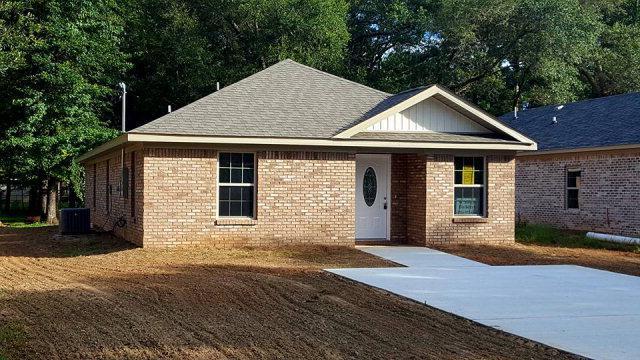 113 W 16th Street, Bay Minette, AL 36507 (MLS #256303) :: Ashurst & Niemeyer Real Estate