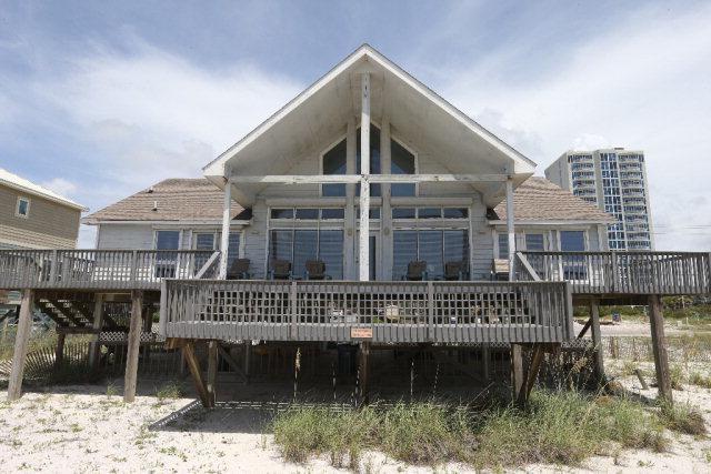 1939 W Beach Blvd, Gulf Shores, AL 36542 (MLS #257118) :: Ashurst & Niemeyer Real Estate