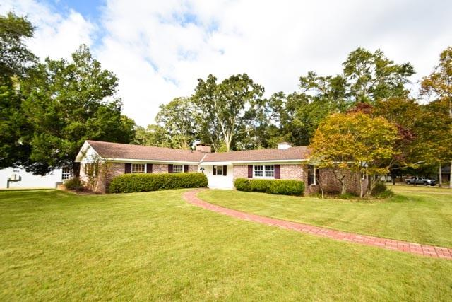 4588 Hawthorne Pl, Mobile, AL 36608 (MLS #262233) :: Gulf Coast Experts Real Estate Team