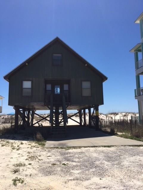 1429 W Beach Blvd, Gulf Shores, AL 36542 (MLS #267761) :: The Kim and Brian Team at RE/MAX Paradise