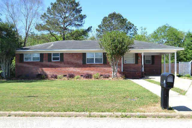 28 Old Bratt Rd, Atmore, AL 36502 (MLS #270181) :: Karen Rose Real Estate