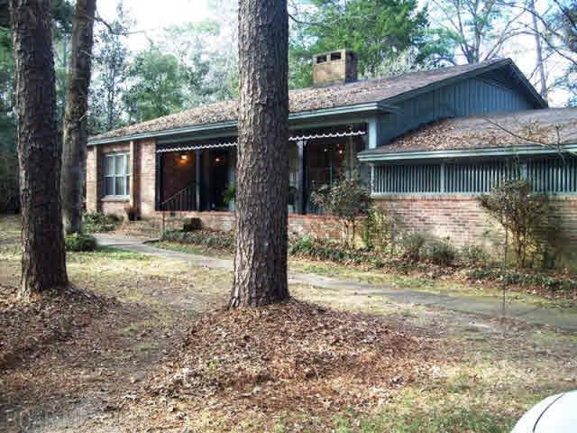 3916 Woodmont Dr, Mobile, AL 36693 (MLS #271659) :: Gulf Coast Experts Real Estate Team
