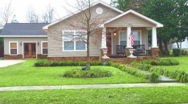 702 S Pensacola Avenue, Atmore, AL 36502 (MLS #284129) :: Ashurst & Niemeyer Real Estate