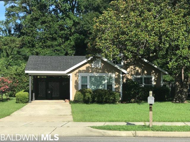 915 Belleville Avenue, Brewton, AL 36426 (MLS #286781) :: Elite Real Estate Solutions