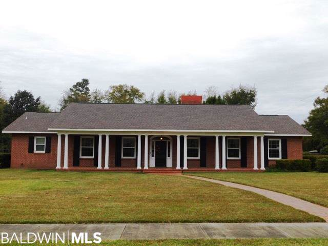 200 E Pine St, Atmore, AL 36502 (MLS #291449) :: Jason Will Real Estate
