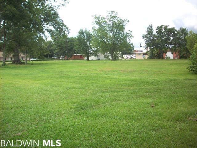 309 N Main Street, Atmore, AL 36502 (MLS #297409) :: Ashurst & Niemeyer Real Estate