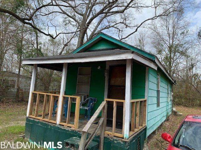 157 Fennel St, Atmore, AL 36502 (MLS #299076) :: Elite Real Estate Solutions