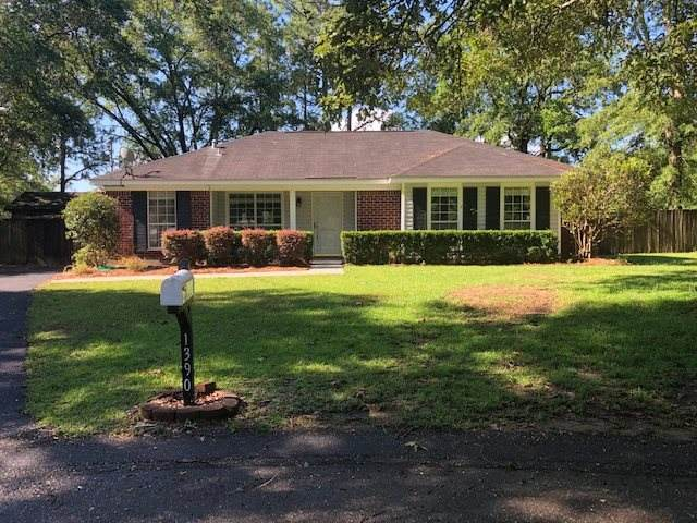 1390 Essex Court, Mobile, AL 36695 (MLS #299146) :: Coldwell Banker Coastal Realty