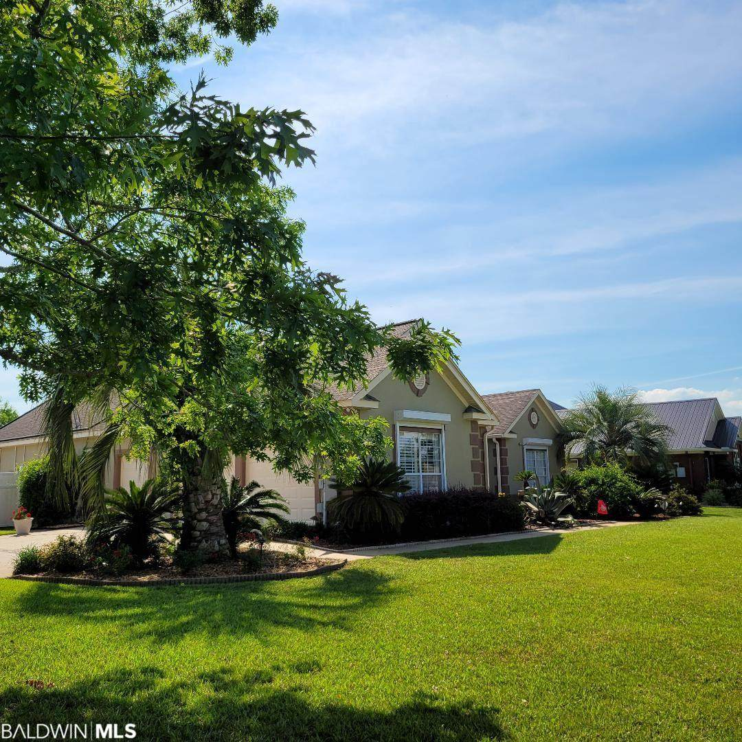 9185 Lakeview Drive - Photo 1