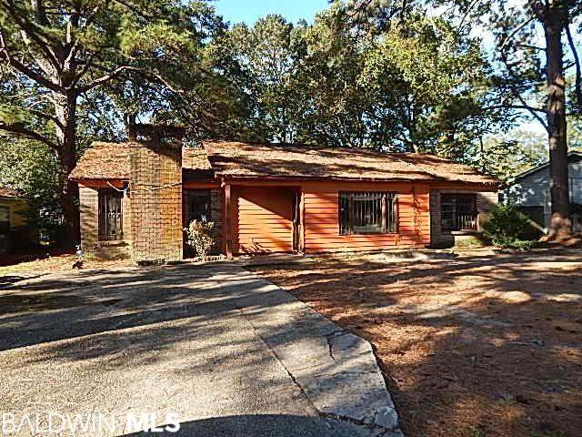 2500 S Courtney Street, Mobile, AL 36606 (MLS #322030) :: EXIT Realty Gulf Shores