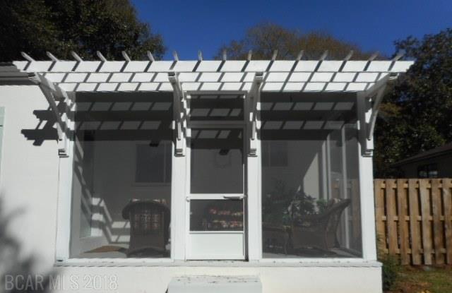 401 Fairwood Blvd, Fairhope, AL 36532 (MLS #263963) :: Gulf Coast Experts Real Estate Team