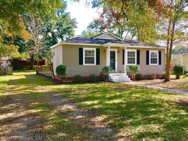 207 5th Avenue, Atmore, AL 36502 (MLS #276653) :: Jason Will Real Estate