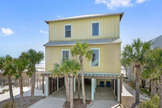 1535 W Beach Blvd, Gulf Shores, AL 36542 (MLS #250244) :: Elite Real Estate Solutions