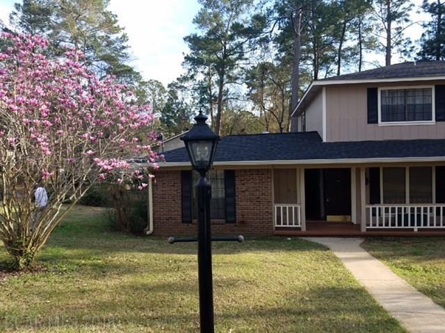 101 E Clay Circle, Daphne, AL 36526 (MLS #263247) :: Coldwell Banker Seaside Realty