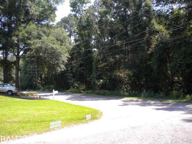107 Greenwood Drive - Photo 1