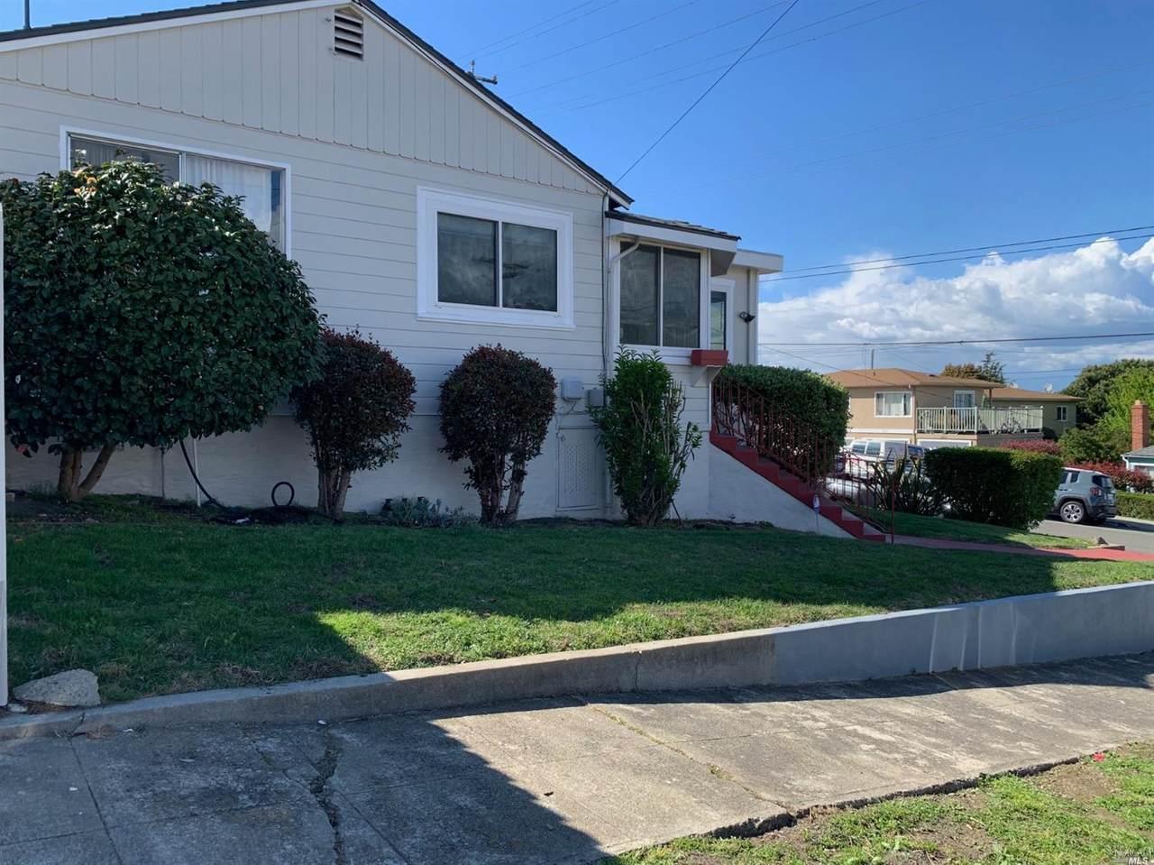5838 Bayview Avenue - Photo 1