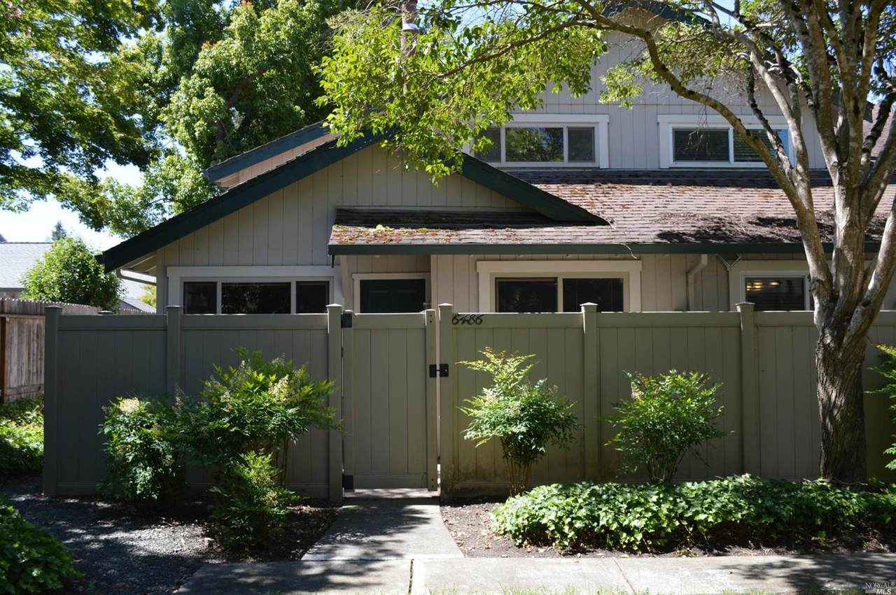 6486 Meadow Pines Avenue - Photo 1