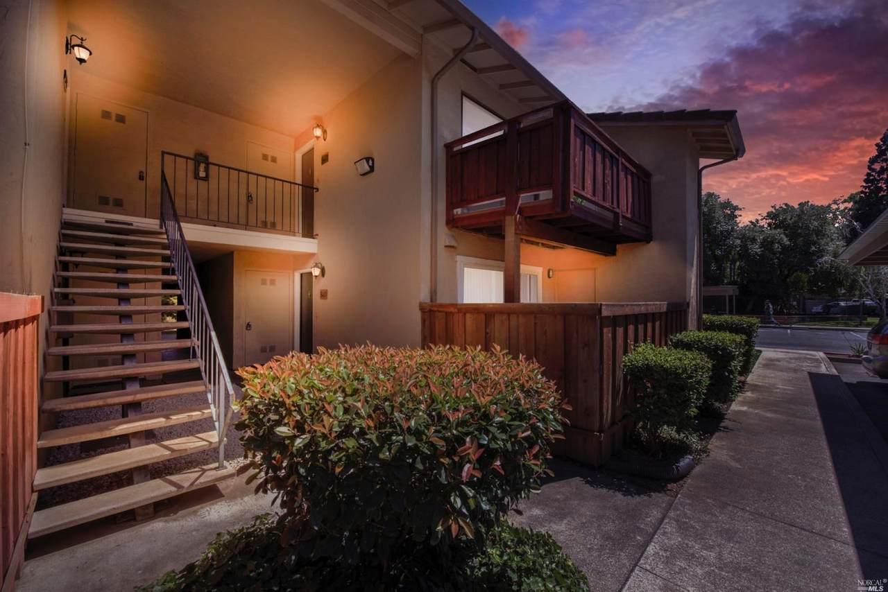 542 Arcadia Drive - Photo 1